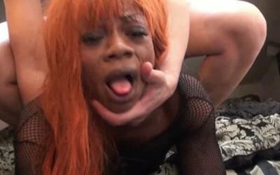 Naomie, tapin black