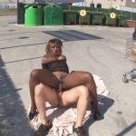 Vidéo Naomie, tromblon black enculée sur un parking