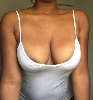 jeune blackette voisine gros seins