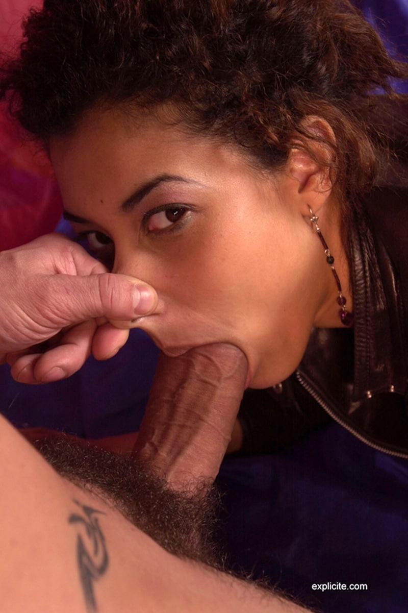 salope aime la baise jolie metisse nue