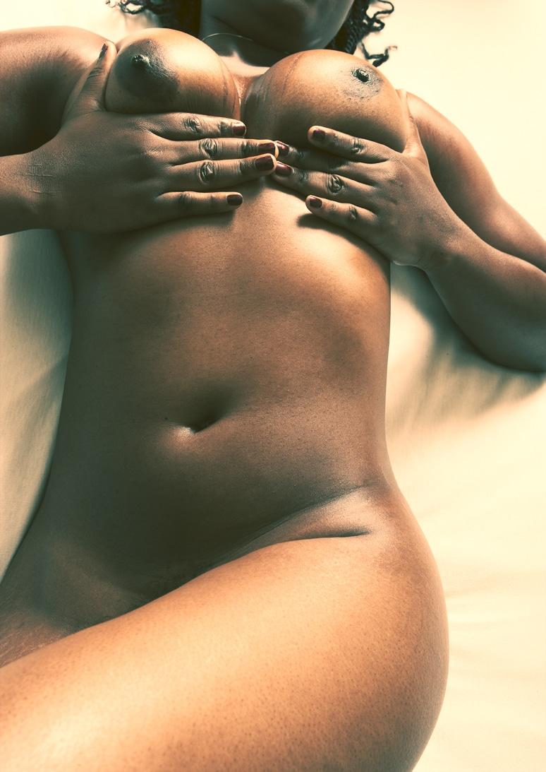 jacqueline-africaine-cul-extraordinaire-intimite-2