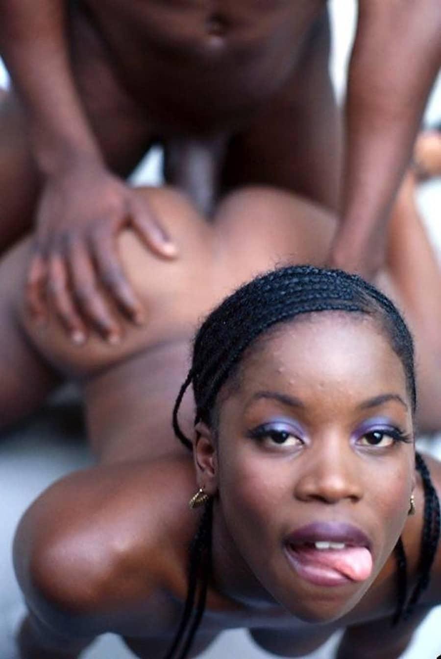 Levrette black woman