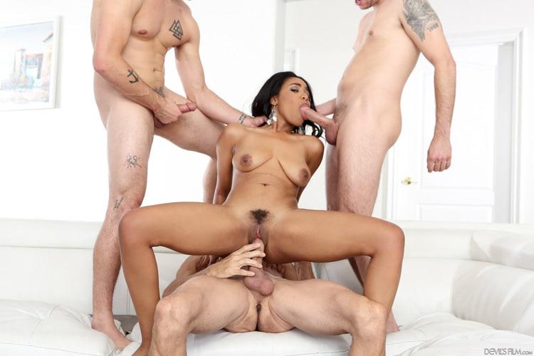 Tara Foxx gangbang interracial Photo 1