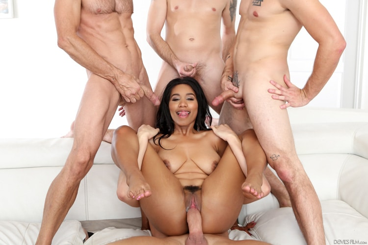 Tara Foxx gangbang interracial Photo 11