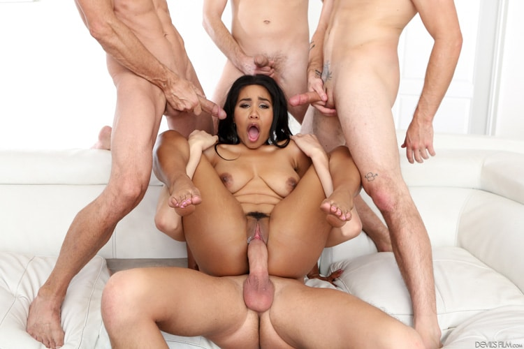 Tara Foxx gangbang interracial Photo 12