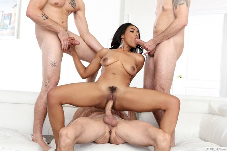 Tara Foxx gangbang interracial Photo 2