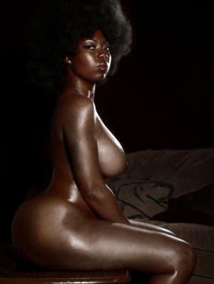 Femme beauté ebony nue 4