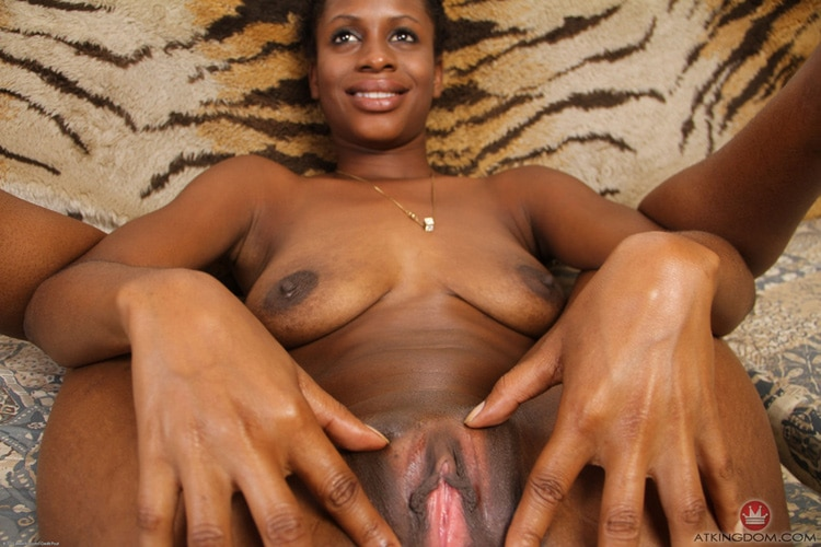 Kaye garce noire nue 13