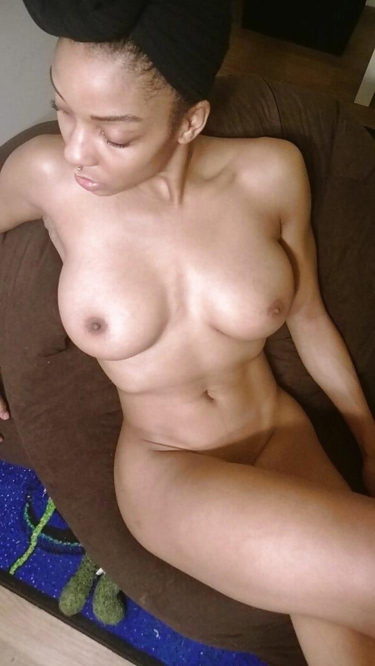 Aisha petite salope black sexy 5