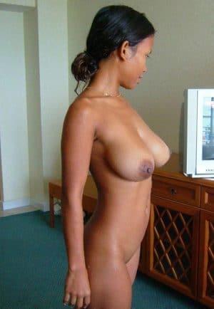 Edith martiniquaise à gros seins