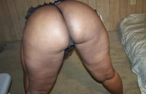 Jocelyne guadeloupéenne grassouillette cochonne